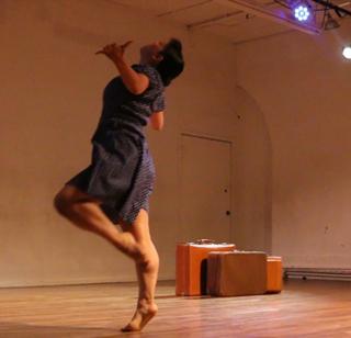 kaoru-ikeda-moustachecat-dance